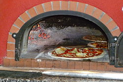 2012 07 08 Pizza Oven Club Noi Rotkreuz.JPG