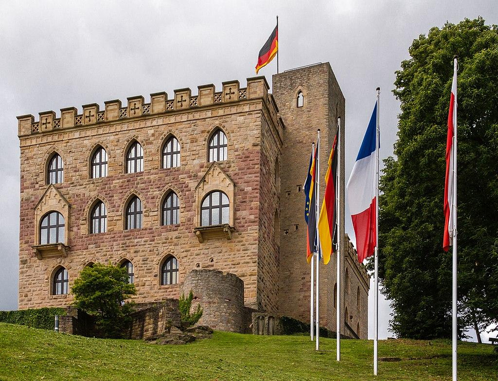 2012 07 21 016 Hambacher Schloss Ostseite