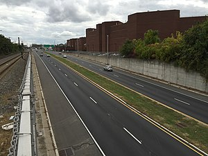 New Jersey Route 129 - Route 129 heading south through Trenton near Broad Street