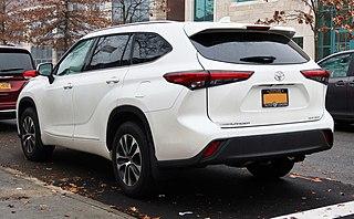 2021 Toyota Highlander XLE AWD, rear 12.12.20