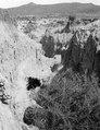 2 fotos från T.dalens lössformationer. Lokal, Tarijadalen, Bolivia. Tarijadalen - SMVK - 003676.tif