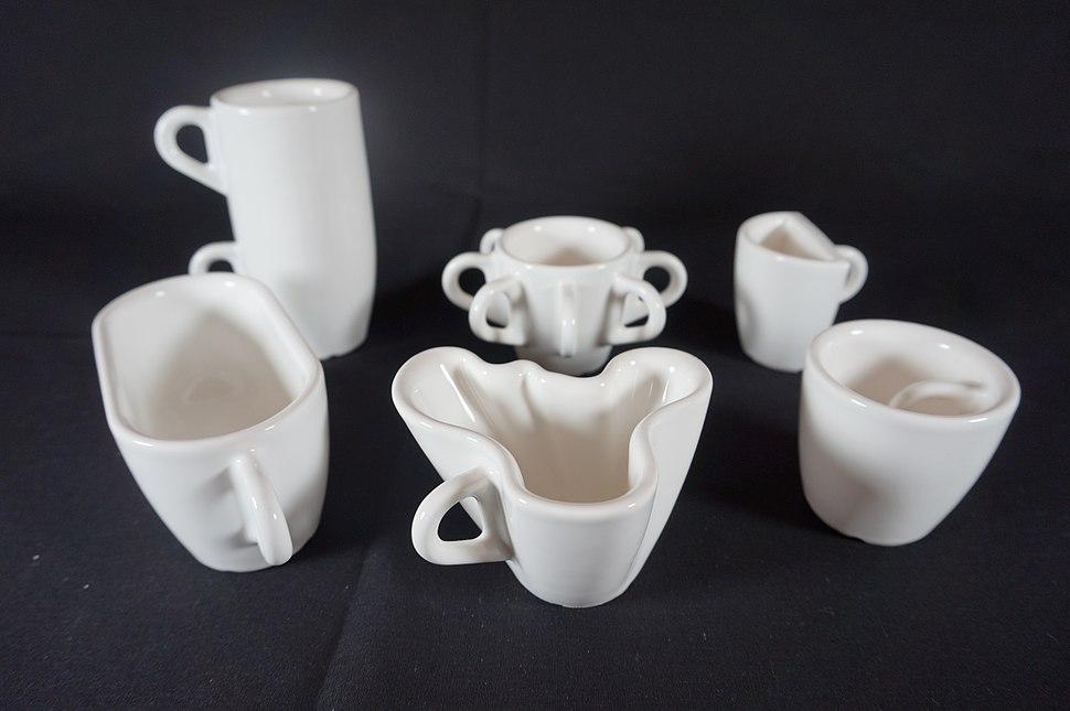 30 Tasses 30 jours 3D Printing Céramique émaillée, impression 3D Bernat Cuni, 2011 (1)