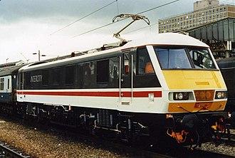 British Rail Class 90 - Image: 90001 Crewe 1987