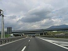 Una serie di cavalcavia sulla Autostrada del Sole presso Bologna
