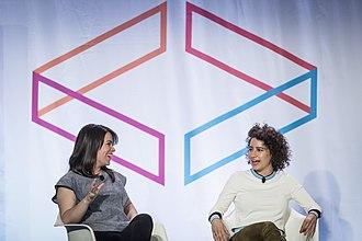 Ilana Glazer - Image: Abbi Jacobson and Ilana Glazer at Internet Week 06