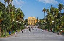 Parque da Independência com o Museu Paulista ao fundo