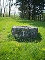 Alt Eschenbach rekonstruierter Sodbrunnen.jpg