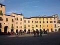 Amfiteatre, Lucca.JPG