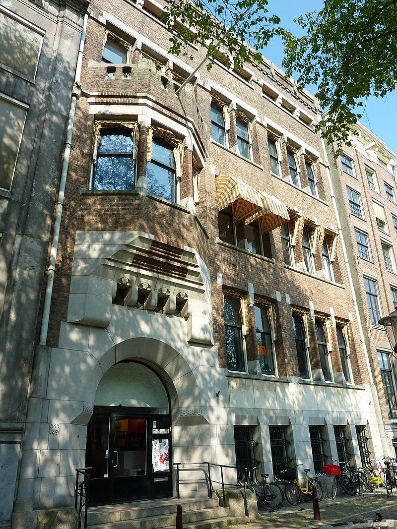Bankgebouw in stijl van berlagianisme in amsterdam for Herengracht amsterdam