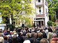 Andrang von Besuchern zur Eröffnung der Ausstellung Wintergärten V - H20, Güntherstraße Hannover Waldhausen.jpg