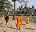 Angkor Wat moine boudistes.jpg
