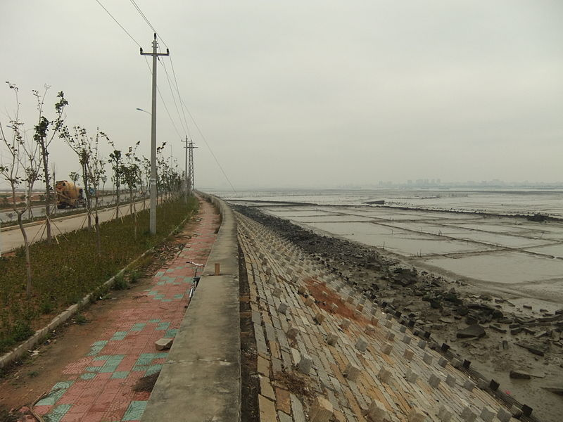 File:Anhai Bay - coastal road - DSCF8850.JPG