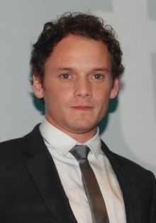 Anton Yelchin September 2013 (cropped).jpg