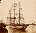 Archivo General de la Nación Argentina 1910 aprox Buenos Aires, Fragata Presidente Sarmiento, primer buque escuela argentino, a punto de zarpar del puerto de Buenos Aires.jpg