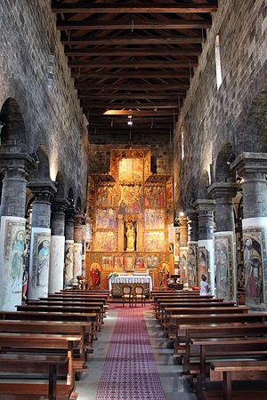 Ardara, Sardinia - Image: Ardara, santa maria del regno, int, 02