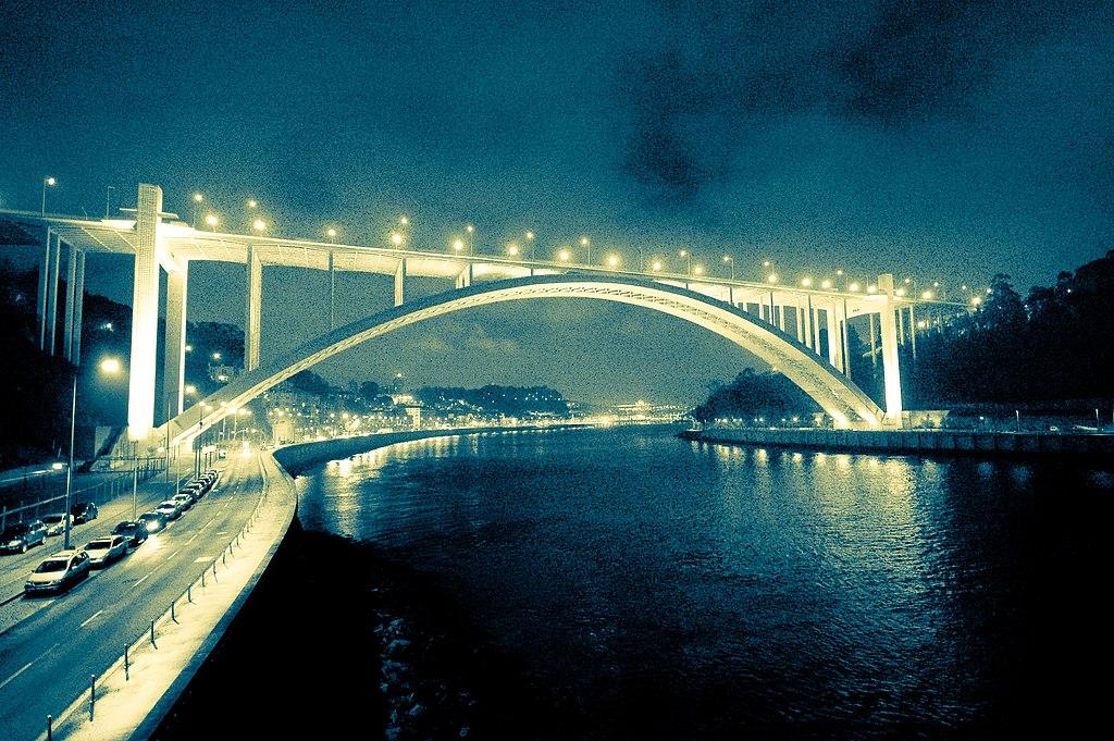 Pont Arrabida à Porto - Photo de Feliciano Guimarães
