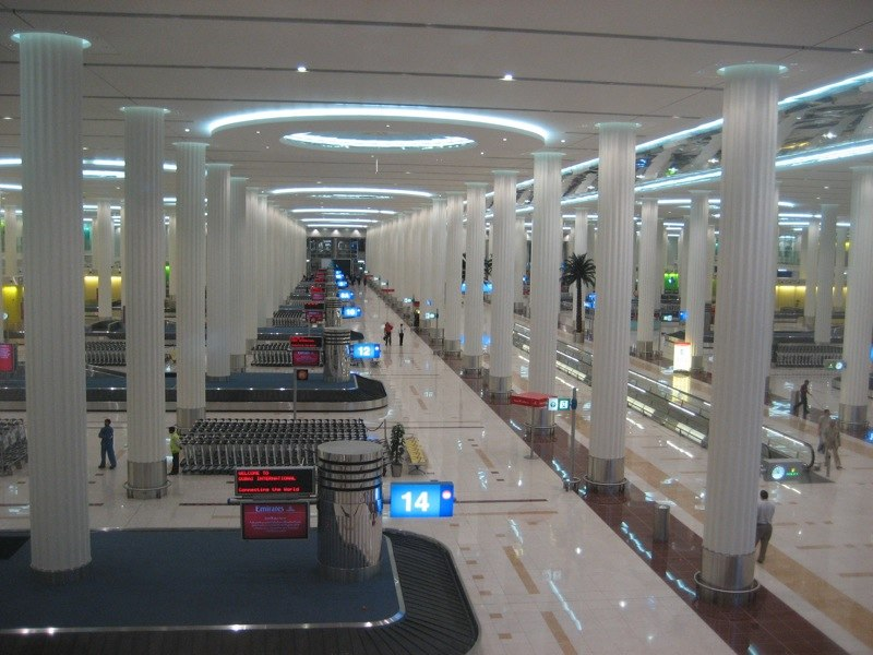 Arrivals hall in DXB Terminal 3 (3344510514)
