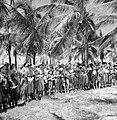 Arubaanse padvinders zingen een welkomstlied voor prins Bernhard op Palm Beach, Bestanddeelnr 252-3906.jpg
