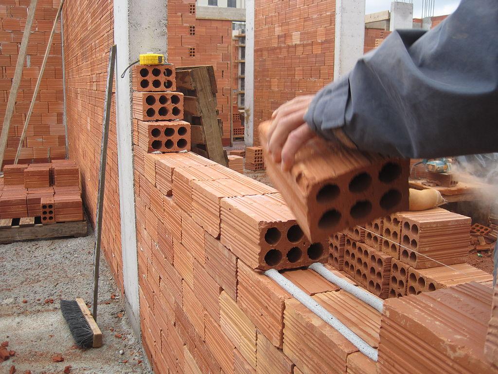 File assentamento com argamassa polim rica jpg wikimedia for Construire maison 78