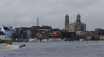 Athlone Ireland and river Shannon.jpg