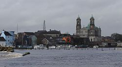 Athlone Ireland and river Shannon.jpg