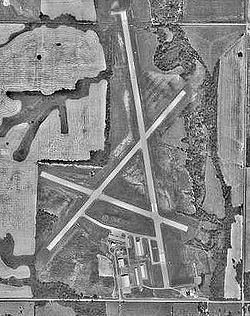 Atkinson Municipal Airport-KS-30Sep1991-USGS.jpg