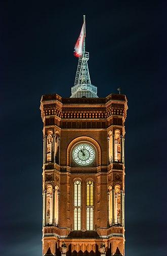 Rotes Rathaus - Image: Ayuntamiento Rojo, Berlín, Alemania, 2016 04 22, DD 37 39 HDR