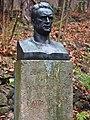 Büste Karl Menser Waldfriedhof Rhöndorf.jpg