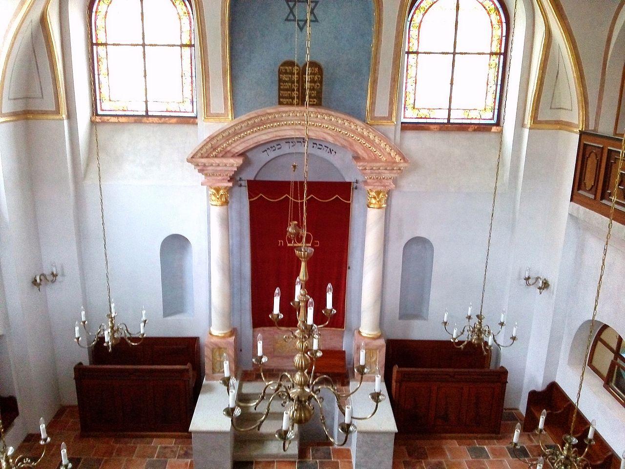 Březnická synagoga 5.jpg