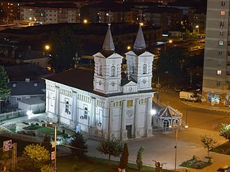 Bacău - Image: Bacau Sf Neculai noaptea