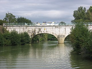 Pont-canal sur la Baïse