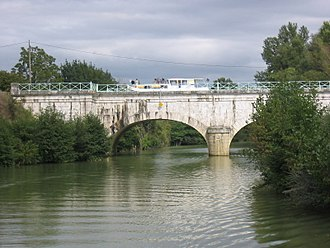 Baïse - Canal bridge over the river