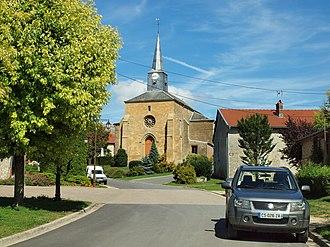 Bar-lès-Buzancy - The village centre and church