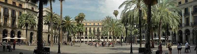 Barcelona - Pla%C3%A7a Reial.jpg