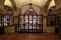 Bari, san nicola, interno, cripta 01.jpg