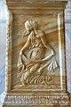 Bas-relief sur le socle d'un candélabre (Villa Farnesina, Rome) (34296321815).jpg