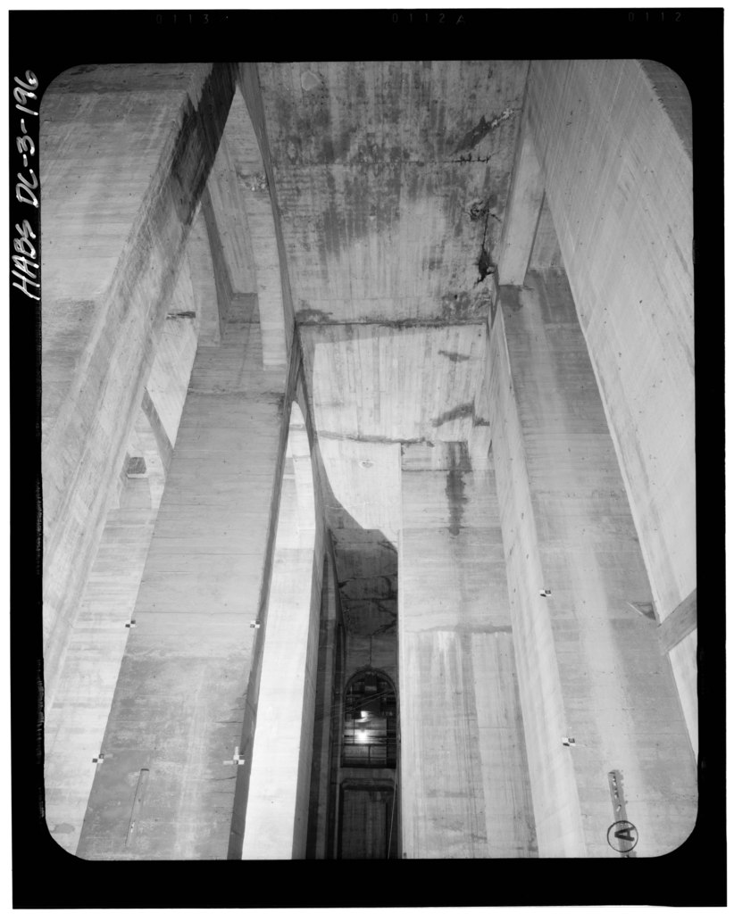 File:Basement Below Center Chamber, Looking North. 15 July