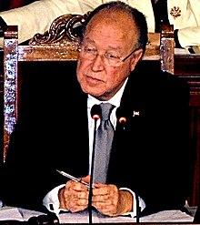 Mustapha Ben Jaafar présidant une séance de l'Assemblée constituante.