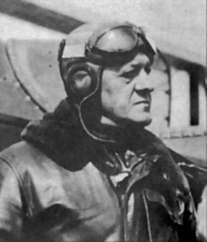 Benjamin Foulois - Benjamin Delahauf Foulois in flying helmet