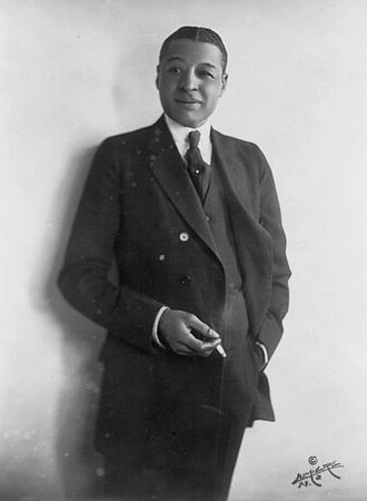 Bahamian Americans - Image: Bert Williams Photo Portrait With Cigarette