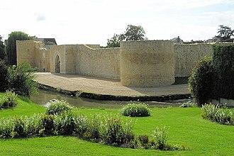 Alix of Brittany, Dame de Pontarcy - Château de Brie-Comte-Robert