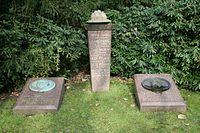 Bild Fahne Grabstätte 1.jpg