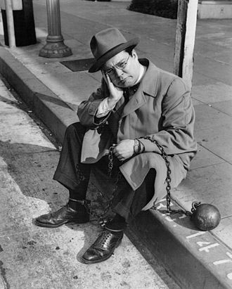 Bill Thompson (voice actor) - Thompson posing as Wallace Wimple