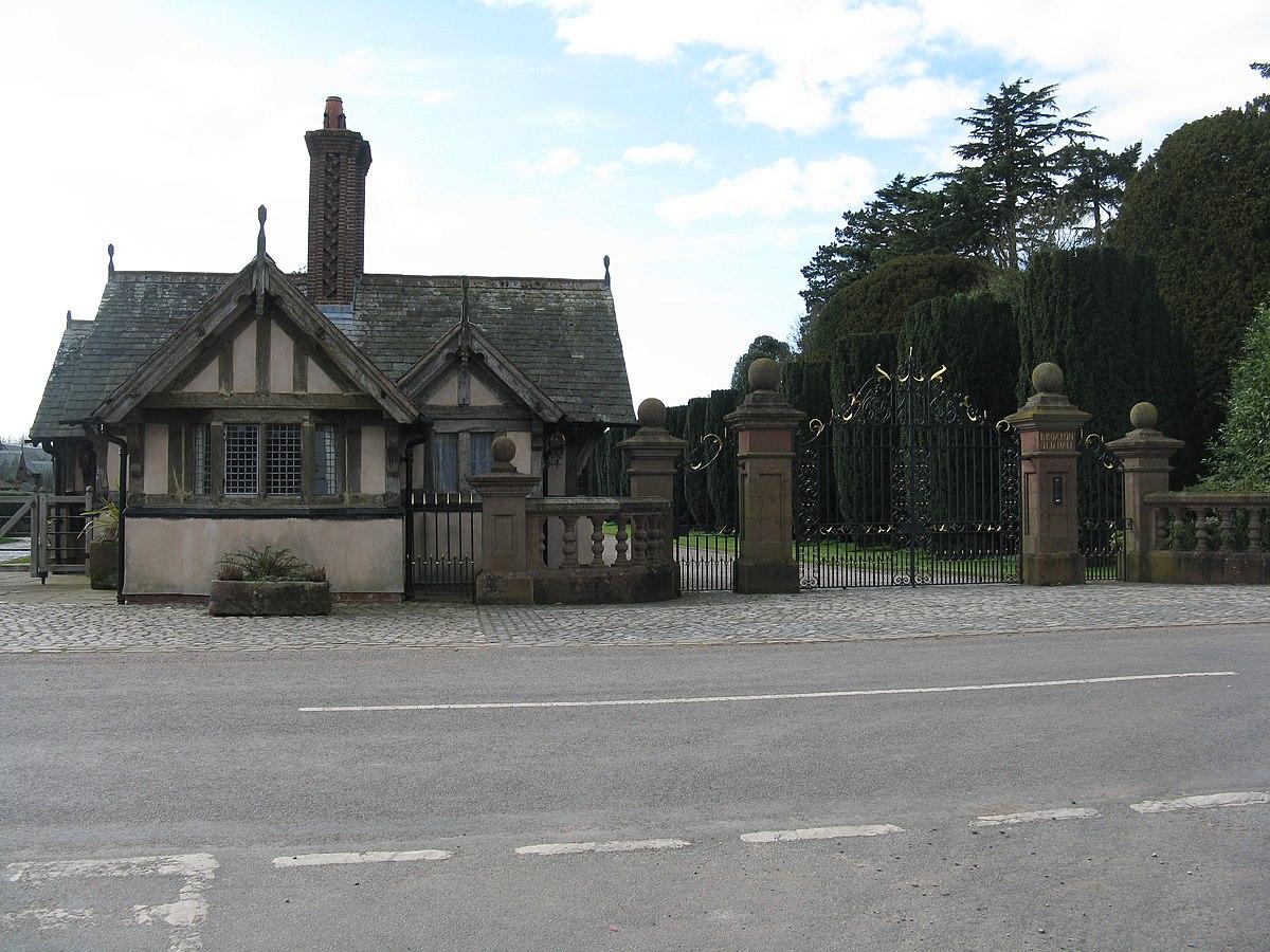 Broxton Old Hall Lodge.jpg