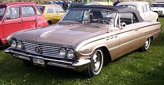 Buick Invicta - 1961 Buick Invicta convertible
