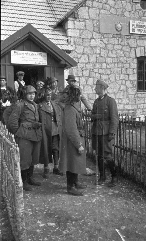Bundesarchiv B 145 Bild-F016230-0008, Bersaglieri in Jugoslawien