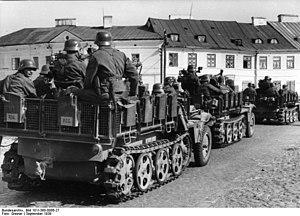 Częstochowa massacre - The Wehrmacht entering the suburbs of Czestochowa