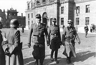 Brandenburgers - Otto Skorzeny (left) and the former Brandenburger Adrian von Fölkersam (middle) now with Skorzeny's SS-Jagdverbände in Budapest after Operation Panzerfaust, 16 October 1944