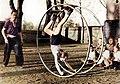 Bundesarchiv Bild 183-10454-0004 Berlin Sportunterricht mit Rhönrad-Colorized.jpg