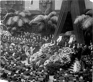 Walther Rathenau - State memorial ceremony with Rathenau's laid out coffin in the Reichstag, 27 June 1922.
